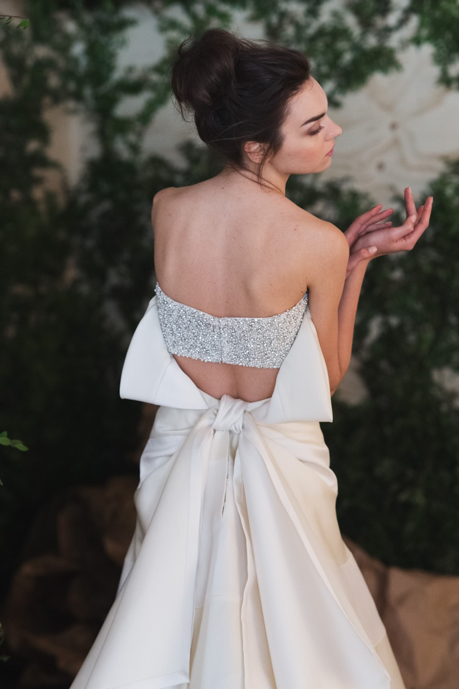 hr_carolina_herrera_bridal_2016_bts_b-07177@2x-e1461014511606