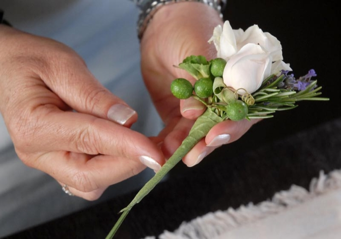 how-to-make-a-boutonniere-88-23