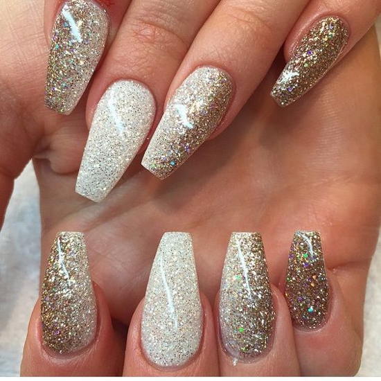 nude-glitter-wedding-nails-for-brides-50-36