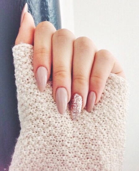 nude-glitter-wedding-nails-for-brides-52-38