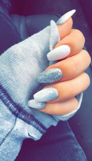 nude-glitter-wedding-nails-for-brides-54-40