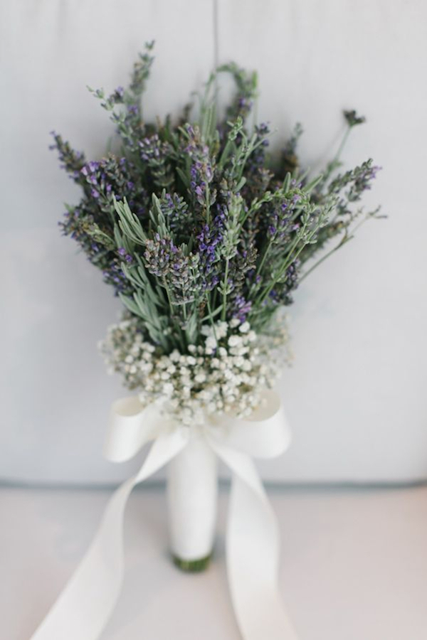 simply-elegant-lavender-and-baby-breath-wedding-bouquet