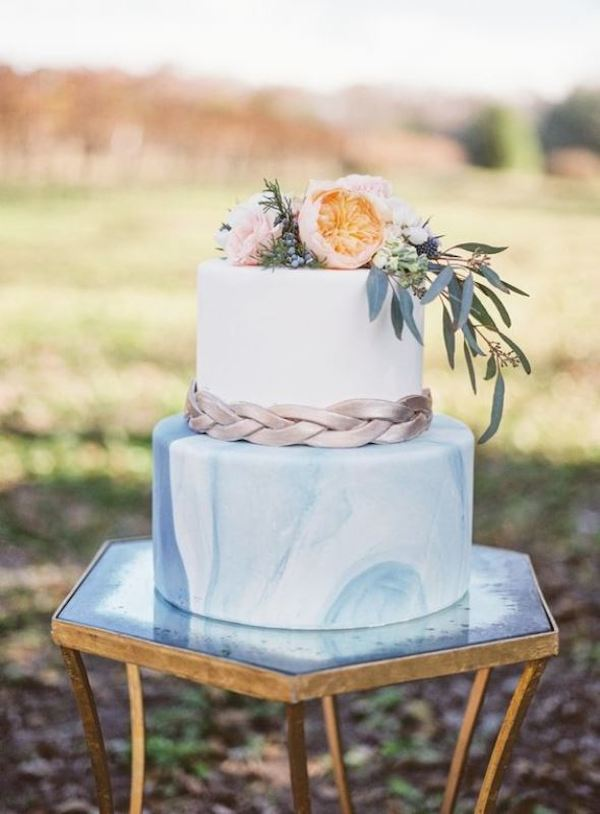 27-chic-and-luxurious-marble-wedding-cakes-10