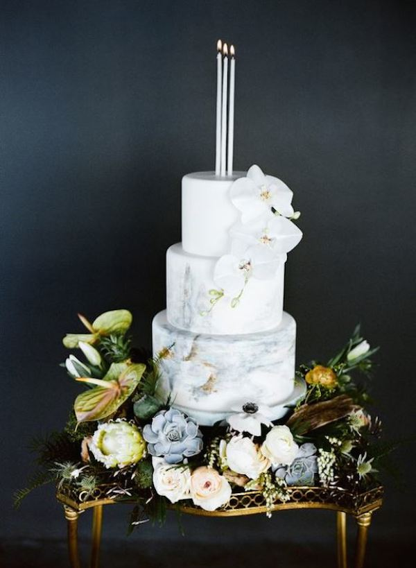 27-chic-and-luxurious-marble-wedding-cakes-6