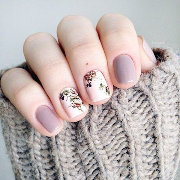 Lavender-and-White-Floral-Nails