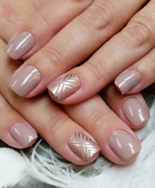 Nude-Glitter-Wedding-Nails-for-Brides-44
