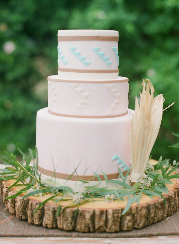 Simple+tribal+wedding+cake