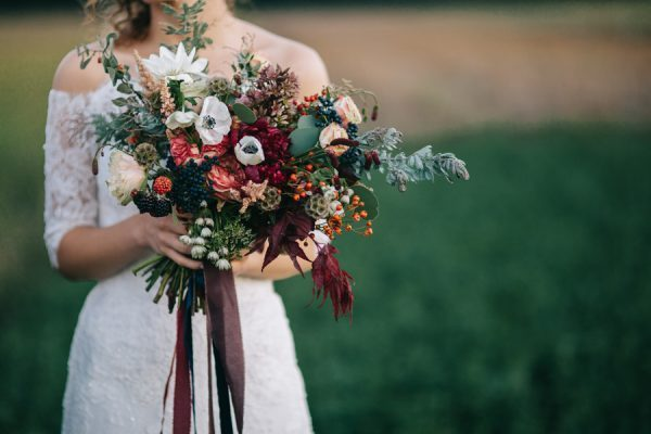 this-romanian-wedding-has-all-the-autumn-decor-inspiration-you-need-35-600x400-600x400