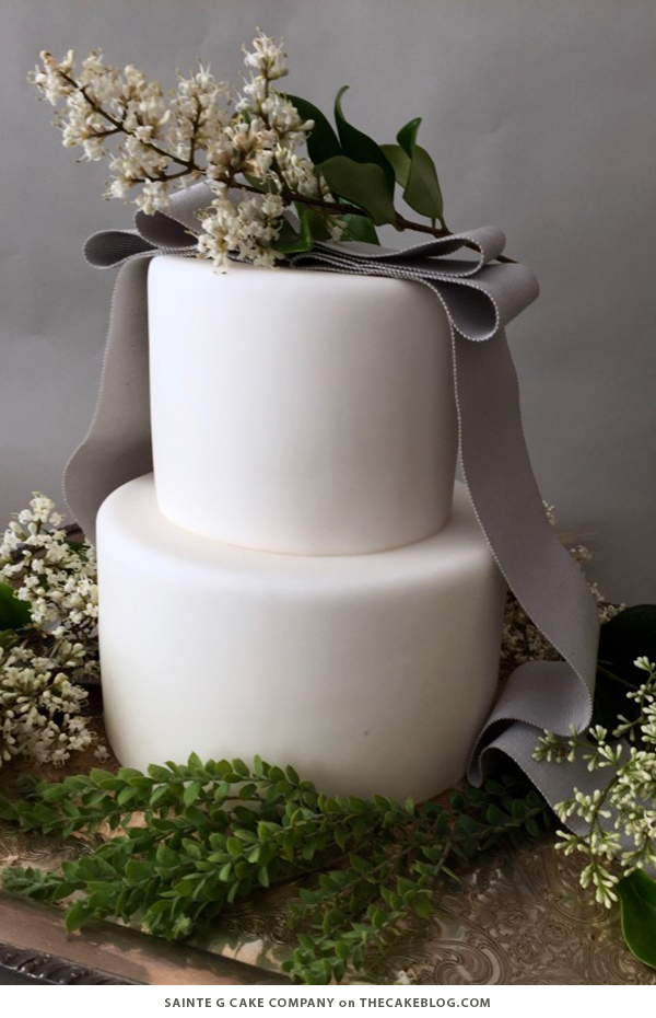 winter_white_wedding_cakes_5