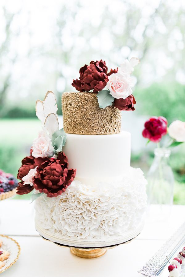 burgundy-and-gold-country-chic-wedding-cake