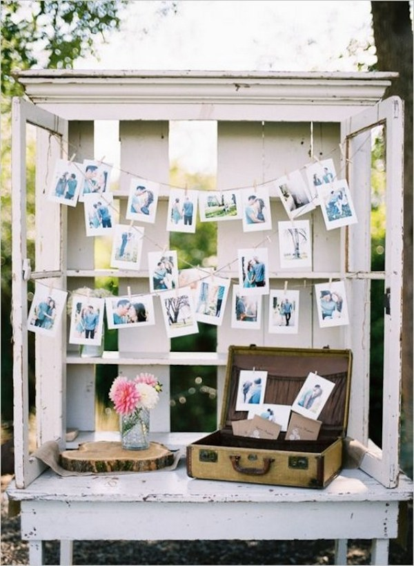 vintage-wedding-photo-display-idea