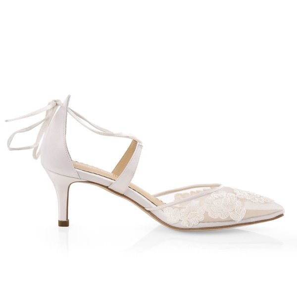 Amelia_Low_Heel_Lace_Wedding_Shoes_1_1024x1024