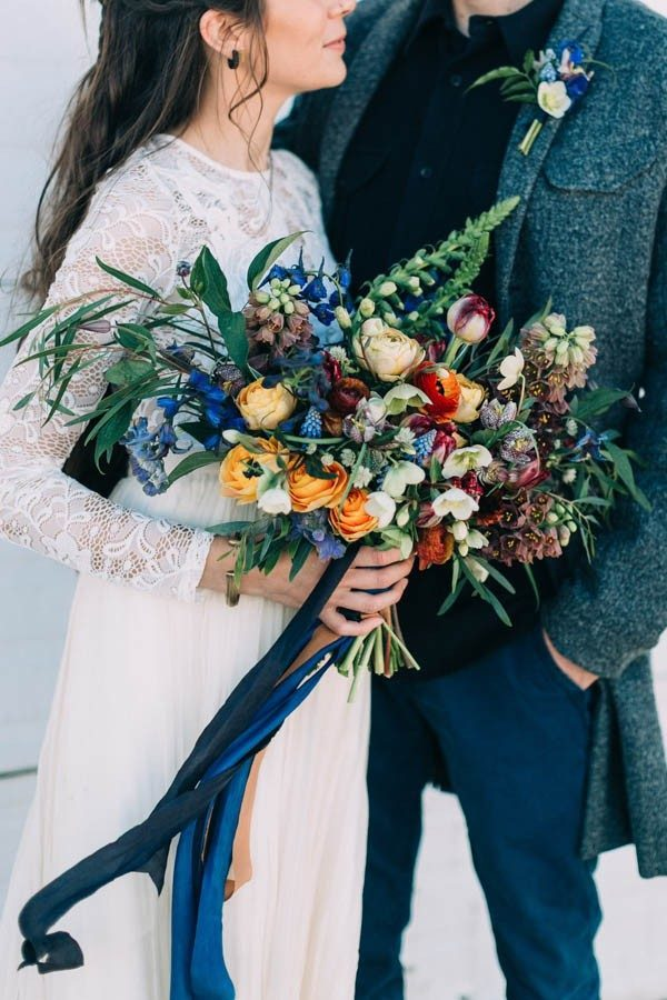 Nautical-Maine-Wedding-Inspiration-at-Bangs-Island-Mussels-Barge-16-600x900-600x900