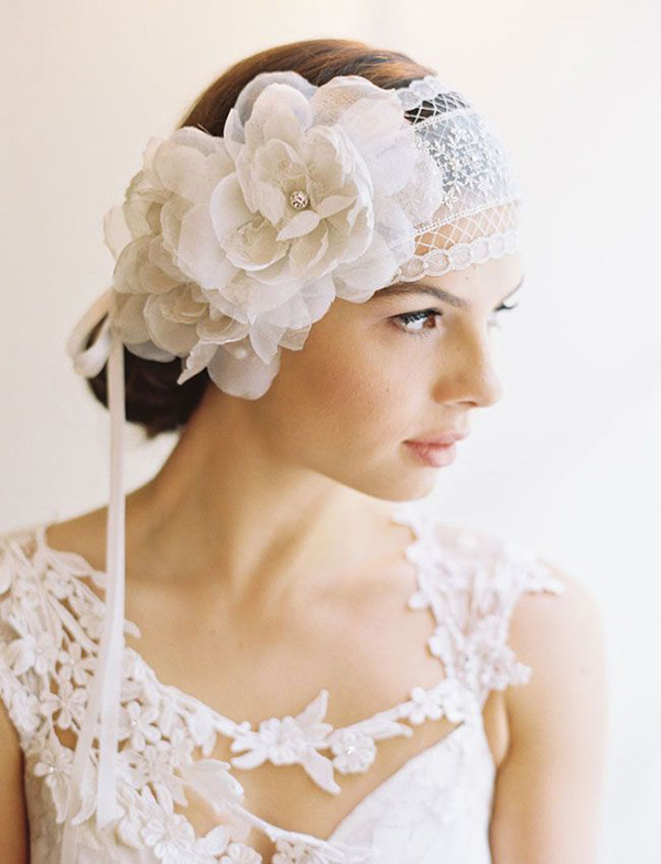 lace-and-floral-hairpiece-for-vintage-weddings